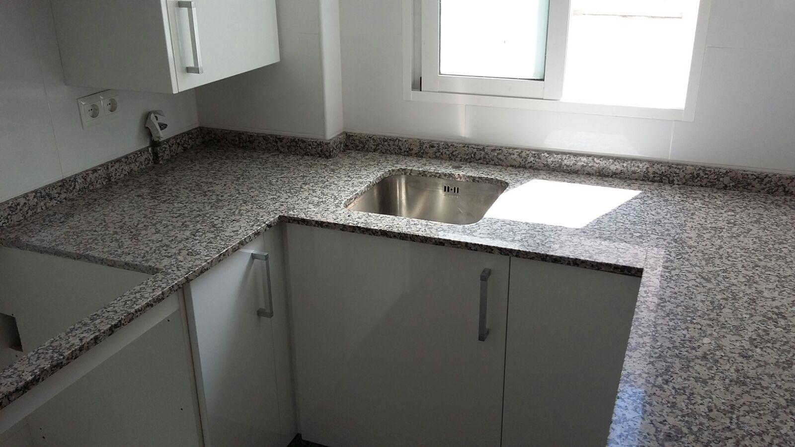 Encimera granito nacional gris mondariz cool encimeras for Encimera de granito gris